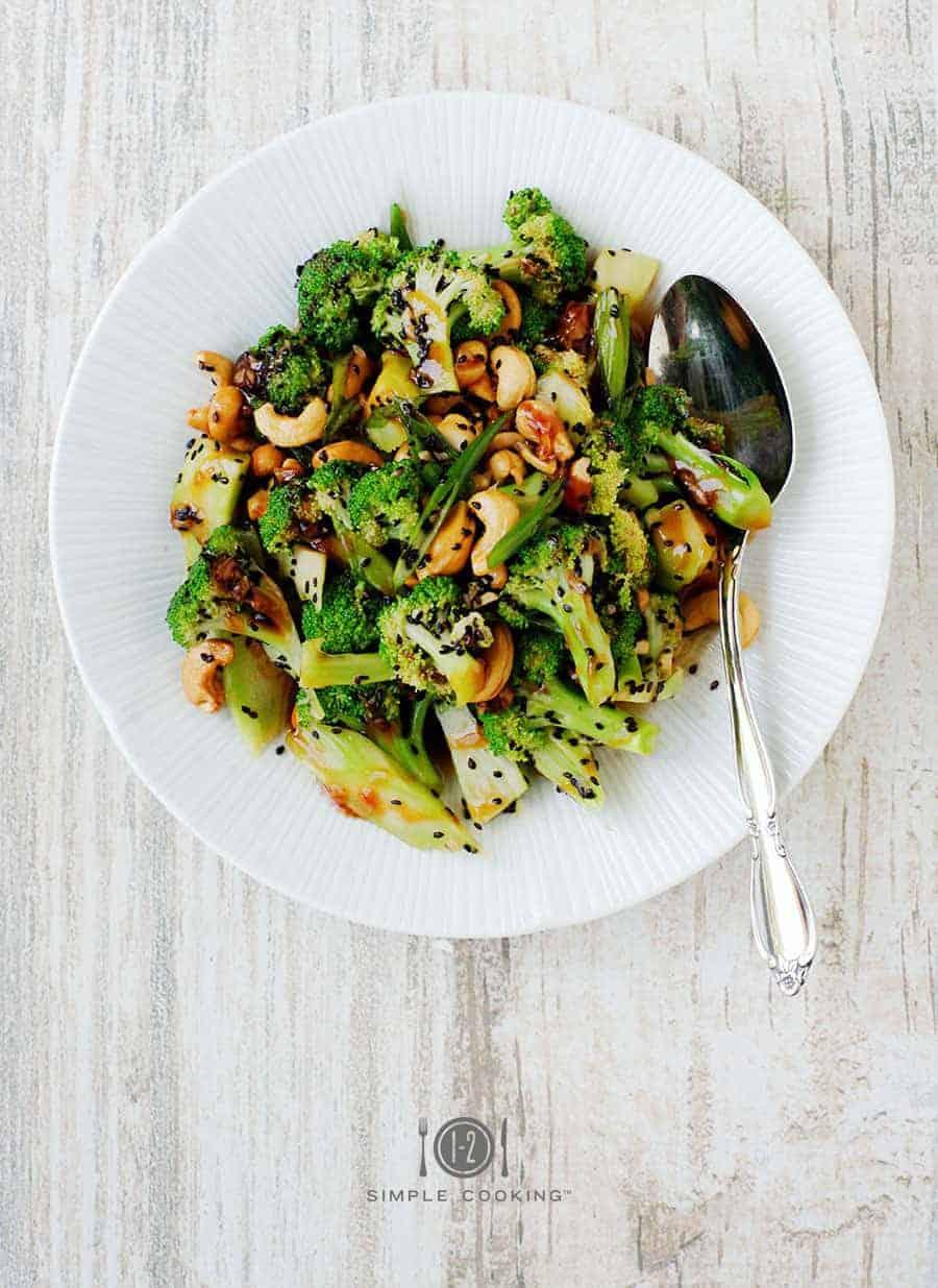 Salade aigre-douce au brocoli