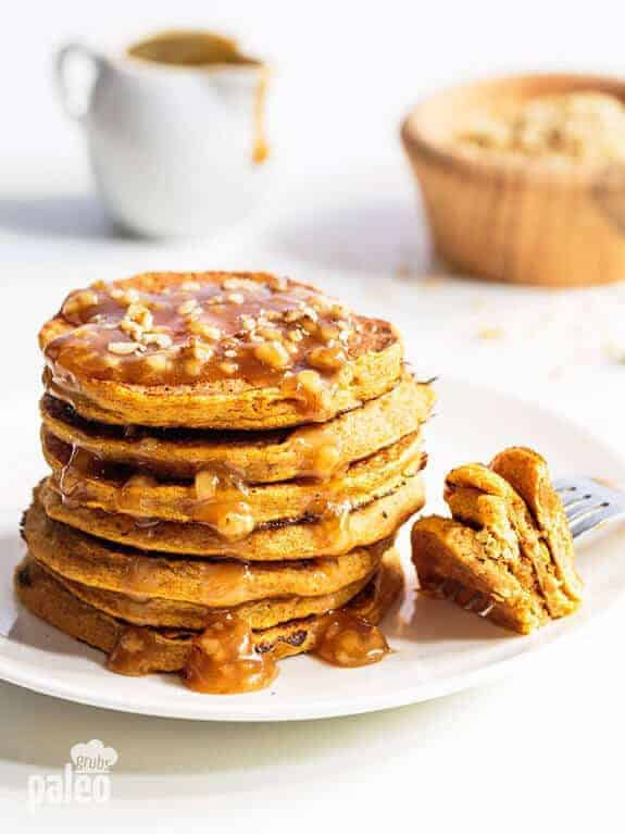 3-Ingredient Paleo Pumpkin Pancakes