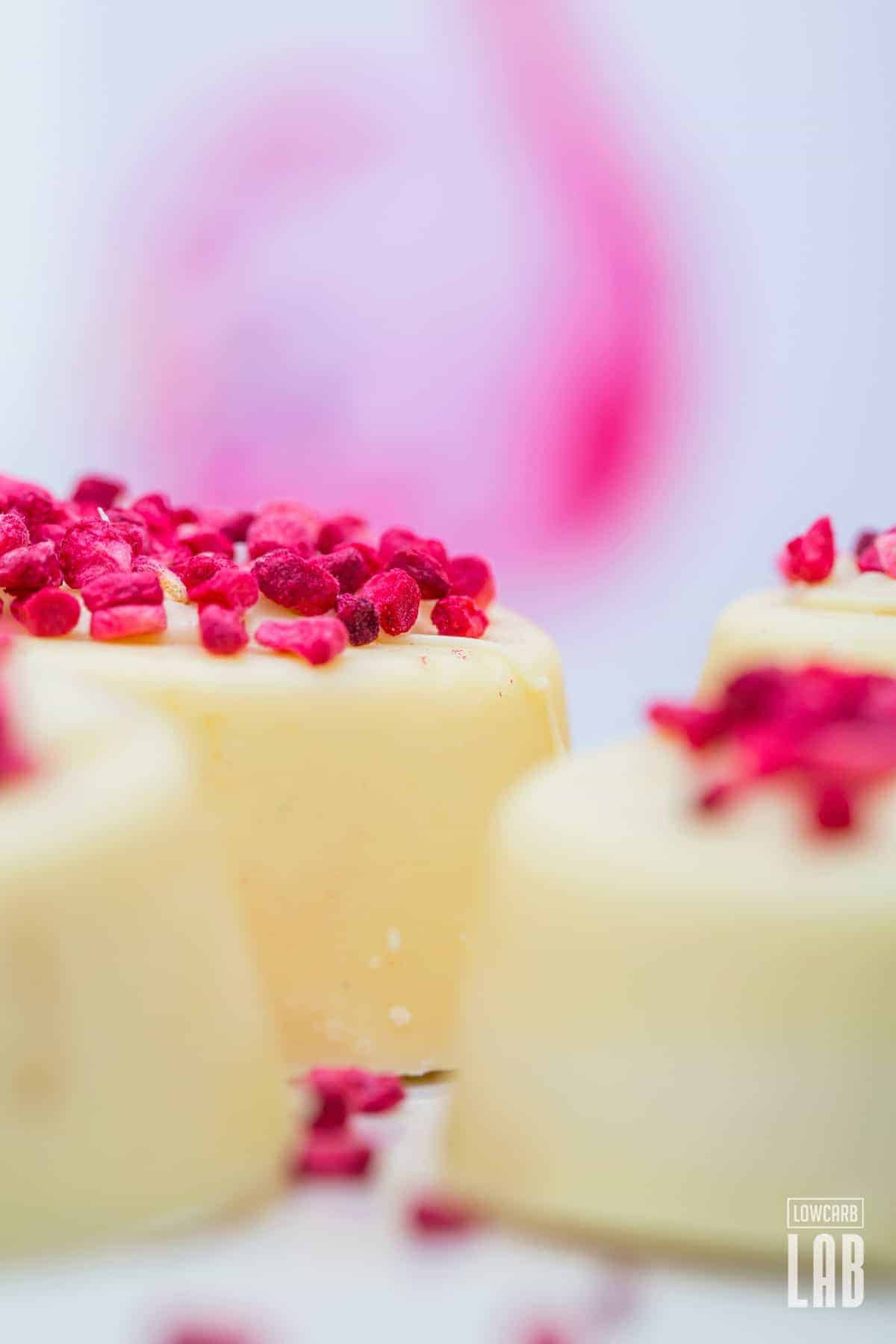 Low-Carb White Chocolate-Raspberry Cups | LowCarbLAB