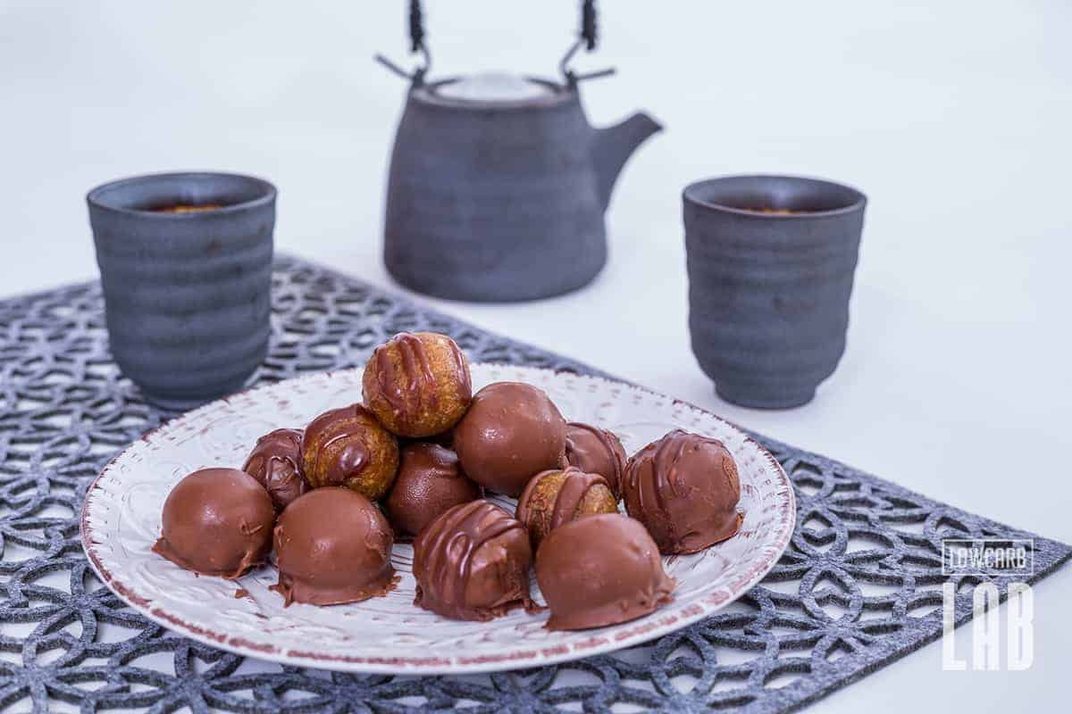 Low-Carb Peanut Butter Balls