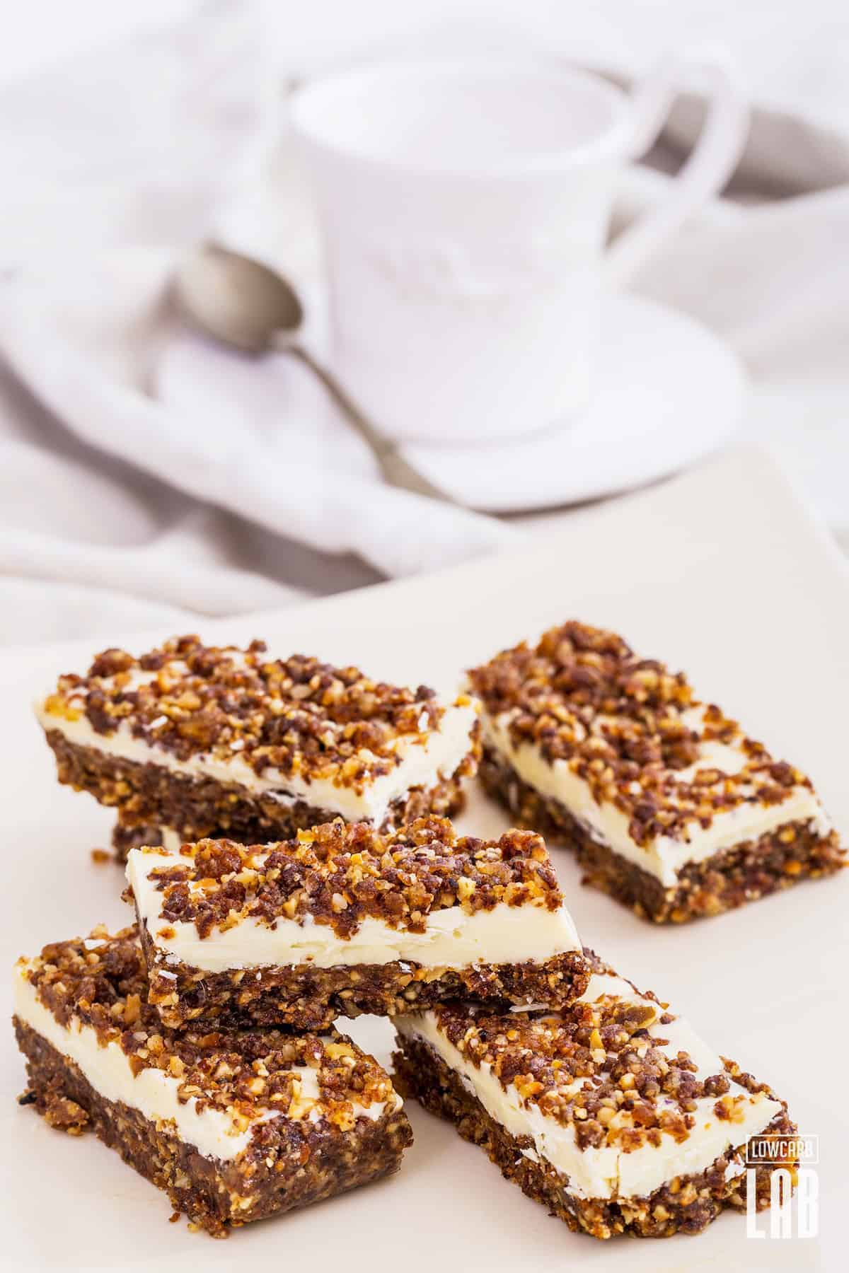 Paleo White-Chocolate Granola Bar